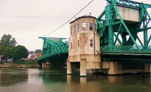 Jefferson_Street_Bridge_in_Joliet,_Illinois,_in_2008