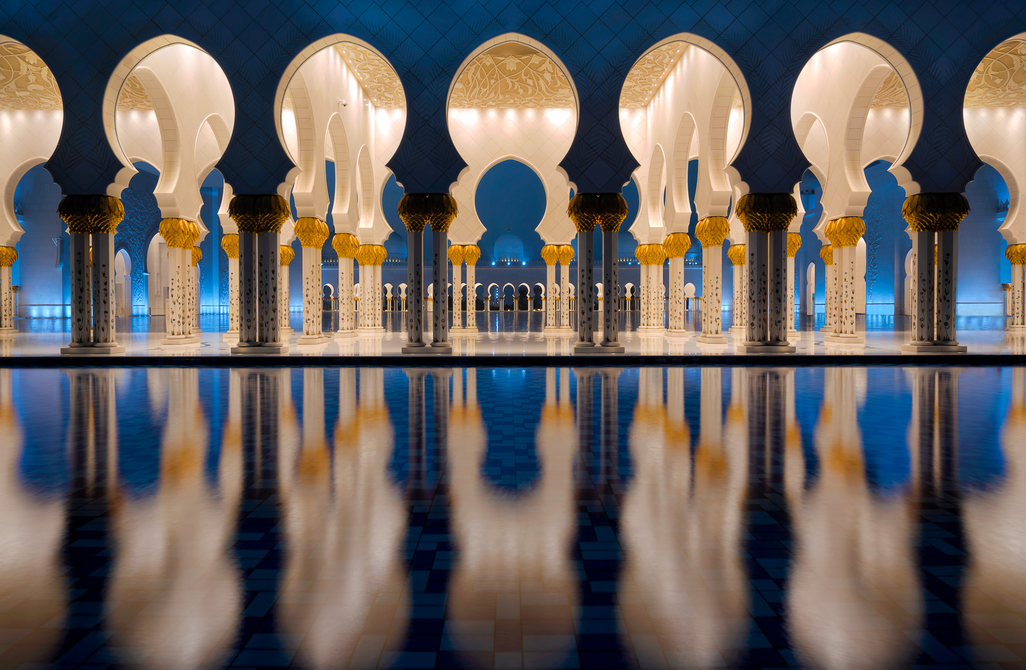 The Majestic Grand Mosque of Abu Dhabi