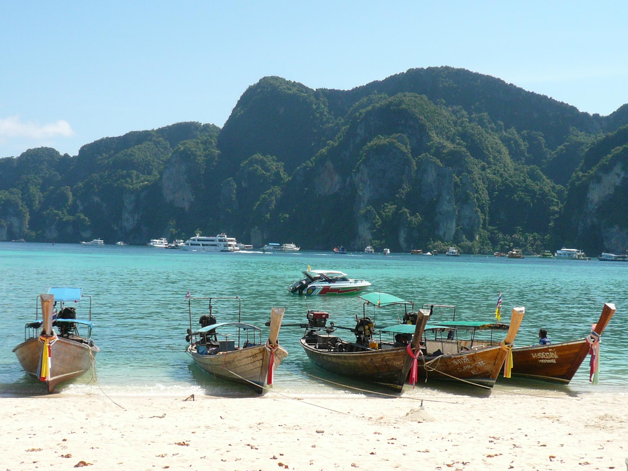 Ko Lipe, Thailand by Lisa Niver
